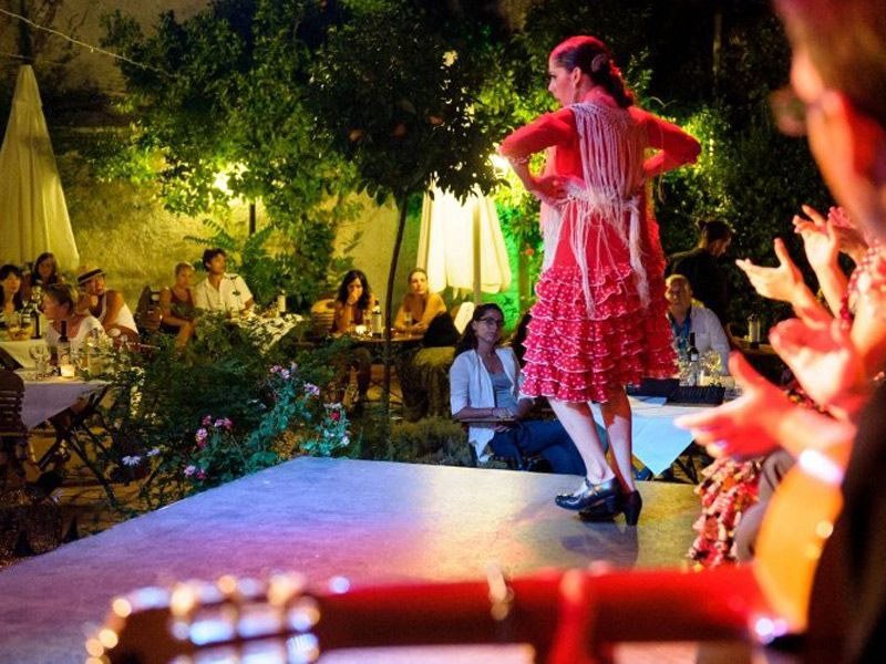Restaurante tablao jardines de zoraya pa ta ta festival for Jardines de zoraya granada